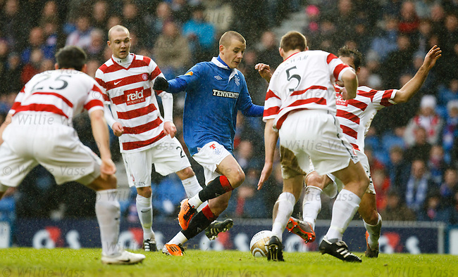 Hamilton put five men on Vladimir Weiss and still he gets through with the ball
