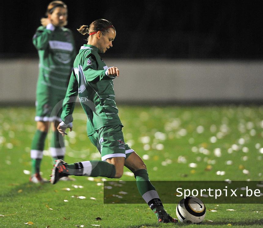 Club Brugge Vrouwen - OHL Dames : Lore Vanschoenwinkel <br /> foto David Catry / nikonpro.be