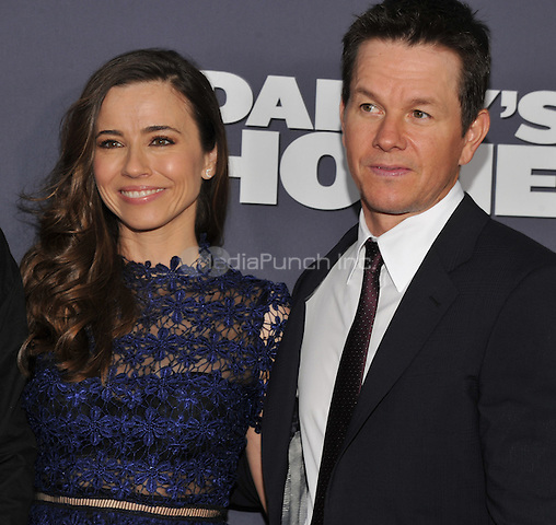 New York,NY- December 13: Linda Cardellini, Mark Wahlberg attend the 'Daddy's Home' New York premiere at AMC Lincoln Square Theater on December 13, 2015 in New York City. Credit: John Palmer/MediaPunch