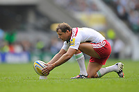 Nick Evans of Harlequins lines up a penalty kick during the Premiership Rugby Round 1 match between London Irish and Harlequins at Twickenham Stadium on Saturday 6th September 2014 (Photo by Rob Munro)