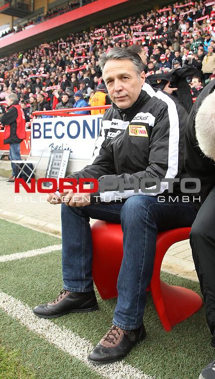 08.02.2014, Stadion an der Wuhlheide, Berlin, GER, 2.FBL, 1.FC Union Berlin vs Dynamo Dresden, im Bild Cheftrainer (Head Coach) Uwe Neuhaus (1.FC Union Berlin)<br /> <br />               <br /> Foto &copy; nordphoto /  Schulz