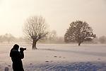 Europa, DEU, Deutschland, Nordrhein Westfalen, NRW, Rheinland, Niederrhein, Alpen-Menzelen, Schnee, Winter, Baeume, Typische Kopfweiden, Fotografin, Kategorien und Themen, Natur, Umwelt, Landschaft, Jahreszeiten, Stimmungen, Landschaftsfotografie, Landschaften, Landschaftsphoto, Landschaftsphotographie, Wetter, Wetterelemente, Wetterlage, Wetterkunde, Witterung, Witterungsbedingungen, Wettererscheinungen, Meteorologie, Wettervorhersage....[Fuer die Nutzung gelten die jeweils gueltigen Allgemeinen Liefer-und Geschaeftsbedingungen. Nutzung nur gegen Verwendungsmeldung und Nachweis. Download der AGB unter http://www.image-box.com oder werden auf Anfrage zugesendet. Freigabe ist vorher erforderlich. Jede Nutzung des Fotos ist honorarpflichtig gemaess derzeit gueltiger MFM Liste - Kontakt, Uwe Schmid-Fotografie, Duisburg, Tel. (+49).2065.677997, ..archiv@image-box.com, www.image-box.com]