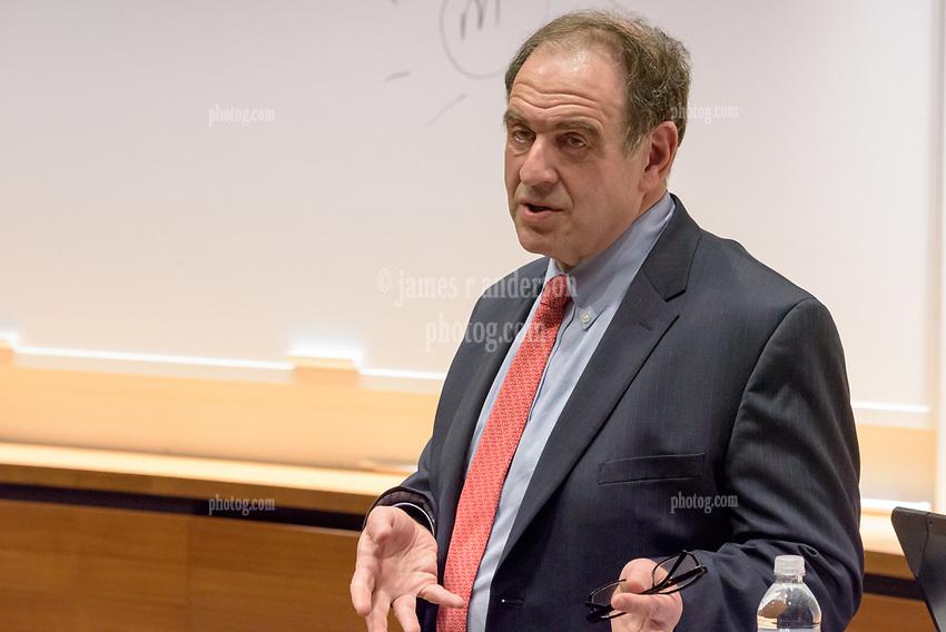 Yale School of Management Executive Education - Women's Leadership Program   Women Leaders and Crisis Management with Jeffrey Sonnenfeld April 19, 2017