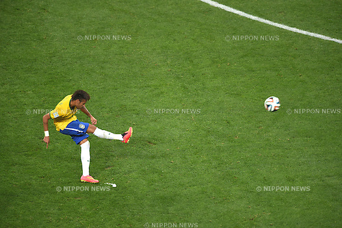 Neymar (BRA),<br /> JUNE 12, 2014 - Football / Soccer :<br /> Neymar of Brazil takes a free kick during the FIFA World Cup Brazil 2014 Group A match between Brazil 3-1 Croatia at Arena de Sao Paulo in Sao Paulo, Brazil. (Photo by FAR EAST PRESS/AFLO)
