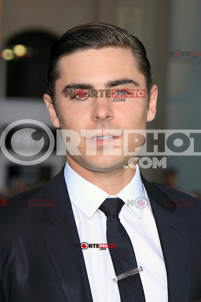 Zac Efron at the premiere of Warner Bros. Pictures' 'The Lucky One' at Grauman's Chinese Theatre on April 16, 2012 in Hollywood, California. &copy;&nbsp;mpi25/MediaPunch Inc. *NortePhoto.com*<br /> **SOLO*VENTA*EN*MEXICO**