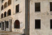 il Sanatorio di Agra in Canton Ticino sulla Collina d'Oro, gigantesco edificio ad anfiteatro, in posizione panoramica sul lago Ceresio è sorto tra il 1912/14. Dietro l'apparenza del sanatorio, comunità terapeutica per soli tedeschi, era in realtà un centro di cospirazione nazista posto nel cuore della neutrale Svizzera..The Agra's Sanatorius, in Canton Ticino, Switzerland, 1912/14 by Edwin Wipf architect, during the second word-war, was a strategic center for nazi politic into the heart of Europe
