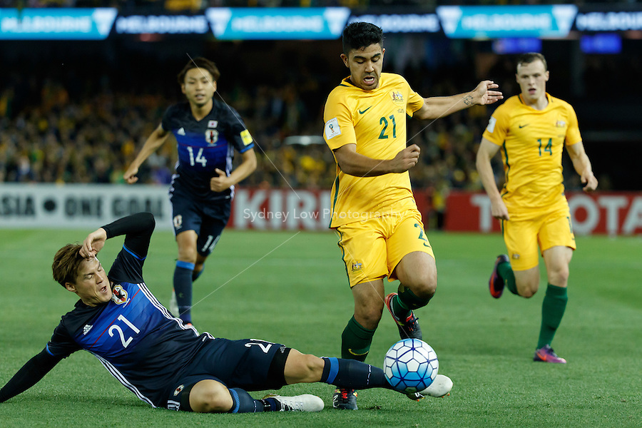 October 11, 2016: GŌTOKU SAKAI (21) of Japan and MASSIMO LUONGO (21) of Australia compete for the ball during a 3rd round Group B World Cup 2018 qualification match between Australia and Japan at the Docklands Stadium in Melbourne, Australia. Photo Sydney Low Please visit zumapress.com for editorial licensing. *This image is NOT FOR SALE via this web site.