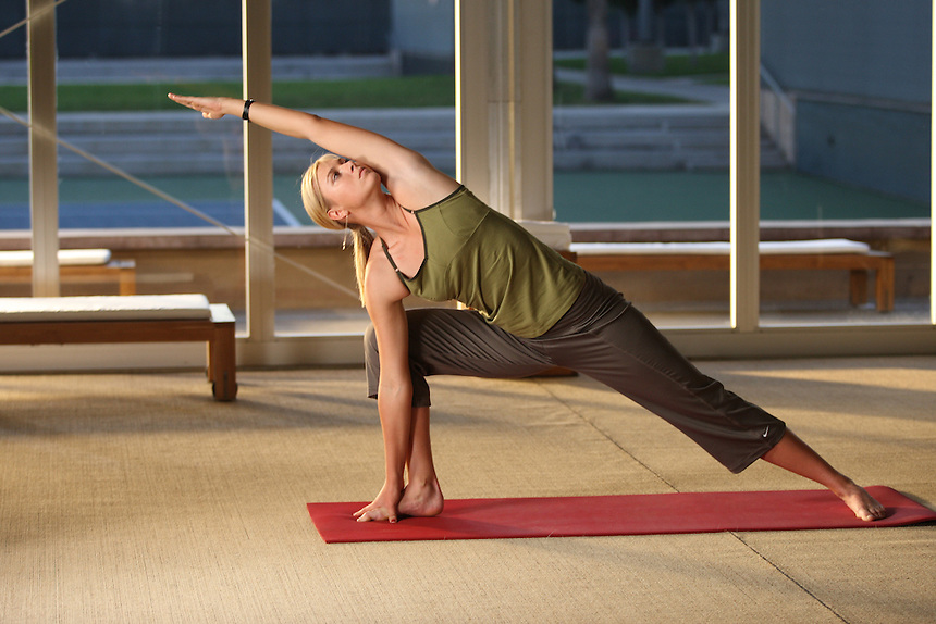 Russian tennis player Maria Sharapova does yoga in Los Angles.