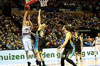 GRONINGEN - Basketbal, Donar - Den Helder Suns, Martiniplaza, Dutch Basketbal League,  seizoen 2018-2019, 27-11-2018,  Donar speler Jobi Wall met Den Helder speler Alex Laurent