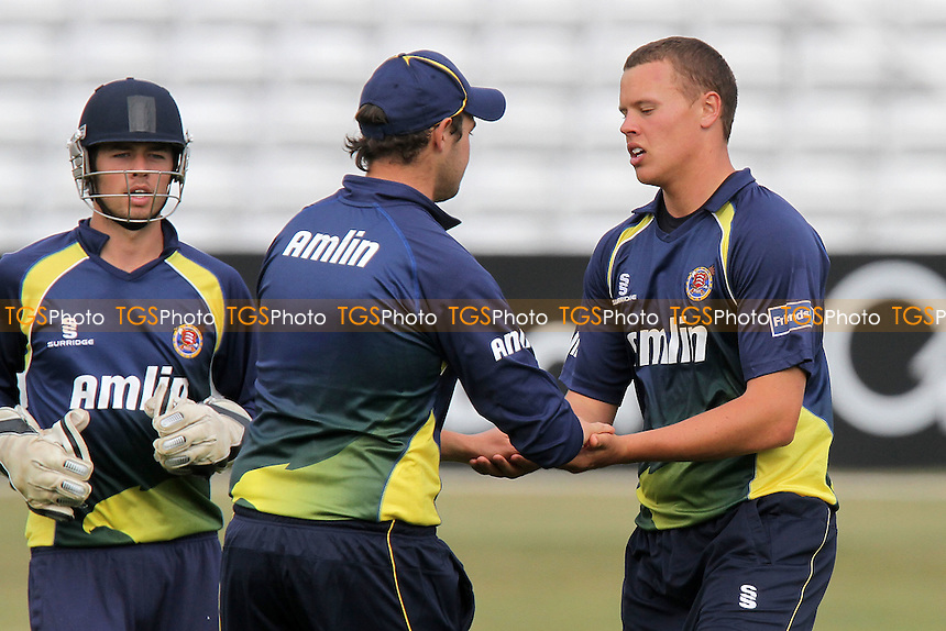 Essex players celebrate a wicket - Essex CCC 2nd XI vs Northamptonshire CCC 2nd XI - Second XI 20/20 Cricket at the Ford County Ground, Chelmsford - 16/05/11 - MANDATORY CREDIT: Gavin Ellis/TGSPHOTO - Self billing applies where appropriate - Tel: 0845 094 6026