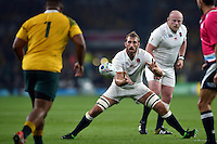 Chris Robshaw of England receives the ball. Rugby World Cup Pool A match between England and Australia on October 3, 2015 at Twickenham Stadium in London, England. Photo by: Patrick Khachfe / Onside Images