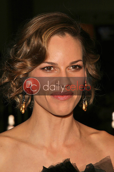 Hilary Swank<br />at the World Premiere of &quot;P.S. I Love You&quot;. Grauman's Chinese Theatre, Hollywood, CA. 12-09-07<br />Dave Edwards/DailyCeleb.com 818-249-4998