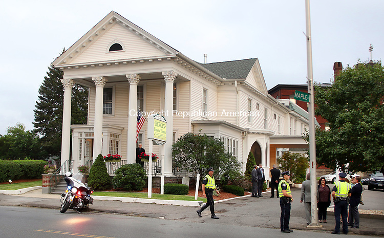 WATERBURY CT. 15 August 2017-081517SV07-People trickle in to pay their respects to former Mayor Edward &ldquo;Mike&rdquo; D. Bergin Jr. at the Bergin funeral home in Waterbury Tuesday. <br /> Steven Valenti Republican-American