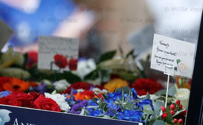 25.09.2018 Funeral service for Fernando Ricksen: Flowers for Fernando