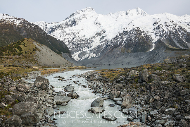 Hooker River and Mueller Lake with Mt. Sefton and Footstool in background, Aoraki, Mt. Cook National Park, Mackenzie Country, UNESCO World Heritage Area, South Island, New Zealand, NZ