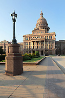 Texas State Capitol, containing the Texas Legislature and the Office of the Governor, designed in 1881 by Elijah E Myers and built 1882-88, Austin, Texas, USA. The building is in Italian Neo-Renaissance style, with both Corinthian and Doric details and a large central dome. The State Capitol houses the Senate, Governor's Office, House of Representatives and Supreme Court. It is listed on the National Register of Historic Places and is a National Historic Landmark. Picture by Manuel Cohen