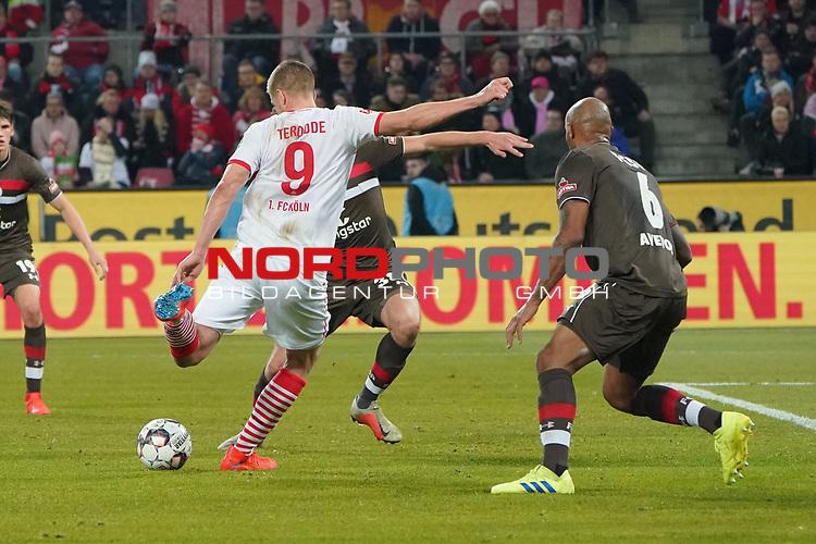 08.02.2019, RheinEnergieStadion, Koeln, GER, 2. FBL, 1.FC Koeln vs. FC St. Pauli,<br />  <br /> DFL regulations prohibit any use of photographs as image sequences and/or quasi-video<br /> <br /> im Bild / picture shows: <br /> Simon Terodde (FC Koeln #9), schiesst das 4:1<br /> <br /> Foto © nordphoto / Meuter