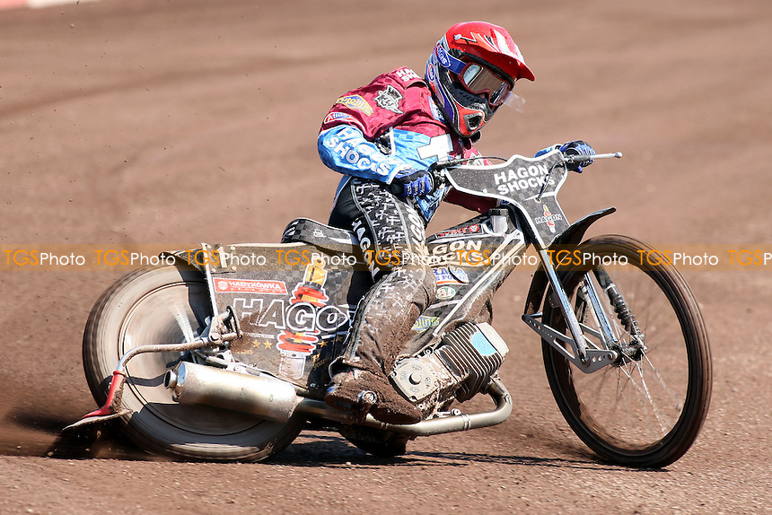 Heat 1 re-run: Lee Richardson out in front - Lakeside Hammers vs Eastbourne Eagles - Elite League Speedway at Arena Essex Raceway - 22/04/11 - MANDATORY CREDIT: Gavin Ellis/TGSPHOTO - Self billing applies where appropriate - Tel: 0845 094 6026