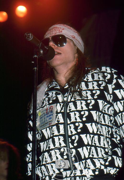Guns-N-Roses-384.jpg