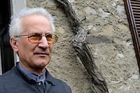 """Don Giorgio de Capitani, parroco di Monte di Rovagnate, provincia di Lecco. .""""Tutta la politica di Berlusconi è contro il vagelo"""""""