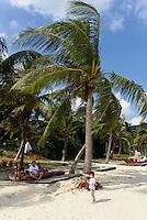 Strand des Hotel Park Hyatt Sanya, Sunny Bay Resort auf der Insel Hainan, China<br /> Beach of Hotel Park Hyatt Sanya, Sunny Bay Resort, Hainan island, China
