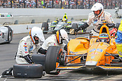 May 28th Indianapolis Speedway, Indiana, USA; The 101st Indianapolis 500 on May 28th, 2017 at the Indianapolis Motor Speedway in Indianapolis, IN.  #29 FERNANDO ALONSO (ESP) MCLAREN HONDA ANDRETTI (USA) HONDA tyre change