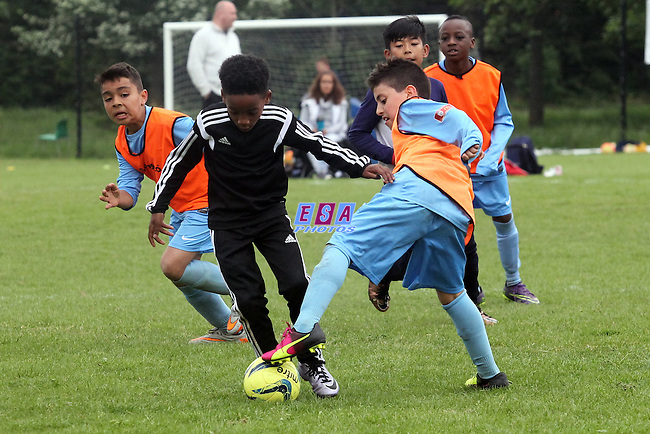 OMARIE YOUTH v MERIDIDIAN VALLEY PARK<br /> U9 <br /> THAMESMEAD SUMMER FESTIVAL OF FOOTBALL 2016<br /> SATURDAY 28TH MAY 2016<br /> BAYLISS AVENUE