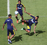 BOGOTA - COLOMBIA--31-05 -2013  .Fredyy Guarín (Derecha)Última práctica de la selección Colombia de fútbol de mayores antes de su viaje a Buenos Aires para su  enfrentamiento con Argentina en el estadio El Campin  . (Foto: VizzorImage / Felipe Caicedo / Staff)..Fredy Guarín (Right) Last practice of selecting higher Colombia football before his trip to Buenos Aires for his clash with Argentina at El Campin<br /> VizzorImage / Felipe Caicedo / Staff