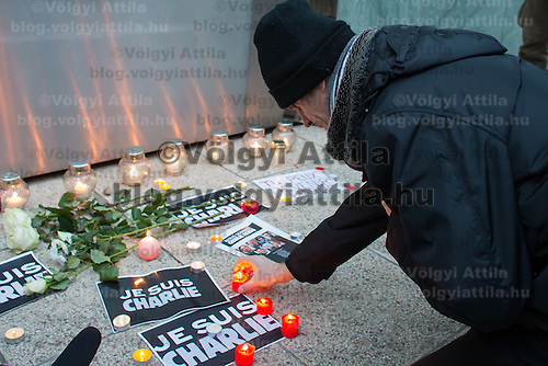 Participants show their support for the terrorist attack victim staff of the Charlie Hebdo satirical weekly in Budapest, Hungary on January 08, 2015. ATTILA VOLGYI