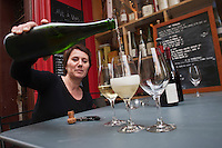 Europe/France/Provence-Alpes-Côte d'Azur/13/Bouches-du-Rhone/Aix-en-Provence: Christine Charvet - Bar à vin, Caviste: Carton Rouge [Non destiné à un usage publicitaire - Not intended for an advertising use]