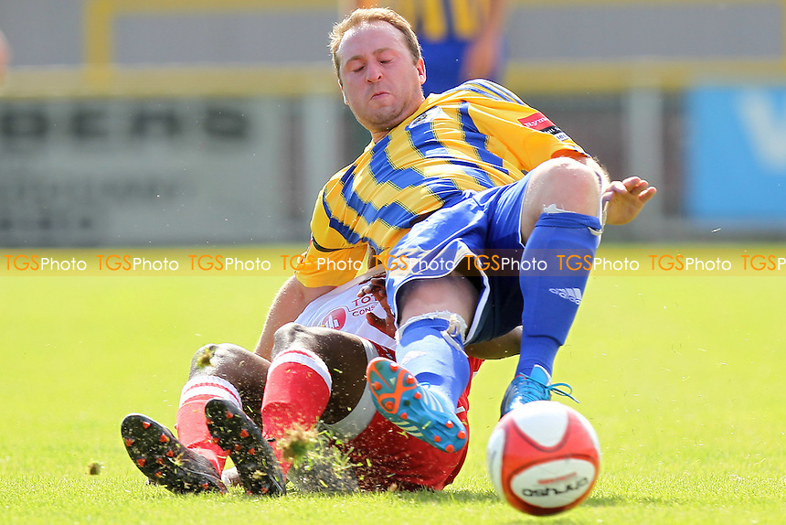 Joe Turner in action for Romford - Romford vs Redbridge - Ryman League Division One North Football at Ship Lane, Thurrock FC - 18/08/12 - MANDATORY CREDIT: Gavin Ellis/TGSPHOTO - Self billing applies where appropriate - 0845 094 6026 - contact@tgsphoto.co.uk - NO UNPAID USE.