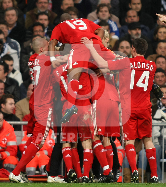 Liverpool's players celebrate goal during the UEFA Champions League match. February 25 2009. (ALTERPHOTOS/Acero).
