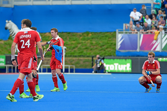 ENG - London, England, August 29: During the men bronze medal match between Ireland (green) and England (red) on August 29, 2015 at Lee Valley Hockey and Tennis Centre, Queen Elizabeth Olympic Park in London, England. Final score 4-2 (2-2). (Photo by Dirk Markgraf / www.265-images.com) *** Local caption ***