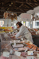 Europe/Belgique/Flandre/Flandre Occidentale/Bruges: Centre historique classé Patrimoine Mondial de l'UNESCO,le marché au poisson: Vismarkt, le long du canal Groenerei //  Belgium, Western Flanders, Bruges, historical centre listed as World Heritage by UNESCO, The Fish Market: Vismarkt, along the Groenerei canal