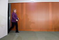 Berlin, Bundeskanzlerin Angela Merkel (CDU) kommt am Mittwoch (24.04.13) zur Sitzung des Bundeskabinetts im Kanzleramt.