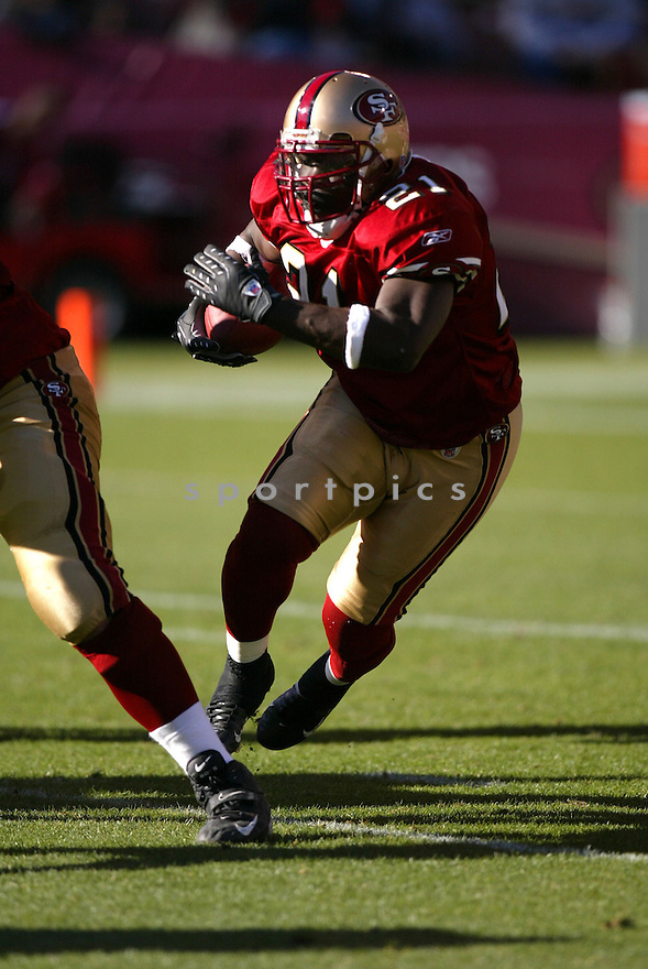 FRANK GORE, of the San Francisco 49ers  in action during the 49ers game against the Minnesota Vikings on December 9, 2007 in San Francisco, California...VIKINGS win 27-7..SportPics