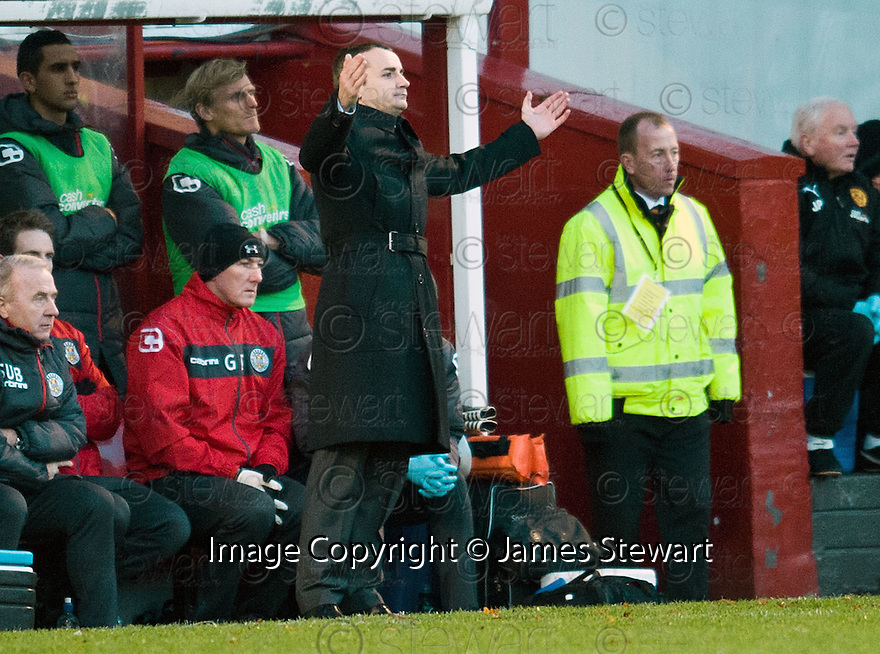ST MIRREN MANAGER DANNY LENNON...17/12/2011 sct_jsp019_motherwell_v_st_mirren     .Copyright  Pic : James Stewart.James Stewart Photography 19 Carronlea Drive, Falkirk. FK2 8DN      Vat Reg No. 607 6932 25.Telephone      : +44 (0)1324 570291 .Mobile              : +44 (0)7721 416997.E-mail  :  jim@jspa.co.uk.If you require further information then contact Jim Stewart on any of the numbers above.........
