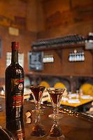 France, Haute-Garonne (31), Toulouse, Vin Le Quinquina du Café Le Père Louis , Vin de quinquina   apéritif // France, Haute Garonne, Toulouse, Café Le Père Louis Quinquina wine,  aromatised wine,  variety of apéritif wine