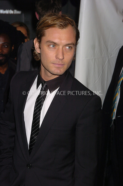 WWW.ACEPIXS.COM . . . . .  ....November 29, 2006, New York City. ....Jude Law attends the Premiere of 'The Holiday'. ....Please byline: AJ Sokalner - ACEPIXS.COM..... *** ***..Ace Pictures, Inc:  ..(212) 243-8787 or (646) 769 0430..e-mail: info@acepixs.com..web: http://www.acepixs.com