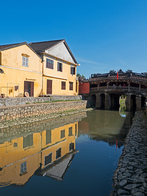 The old Bridge in the Old Town of Hội An, the city's historic district, is recognized as an exceptionally well-preserved example of a South-East Asian trading port dating from the 15th to the 19th century and is a world UNESCO heritage Site.