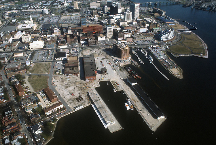 1984 March ..Redevelopment.Downtown West (A-1-6)..PIER B.FREEMASON HARBOR...NEG#.NRHA#..