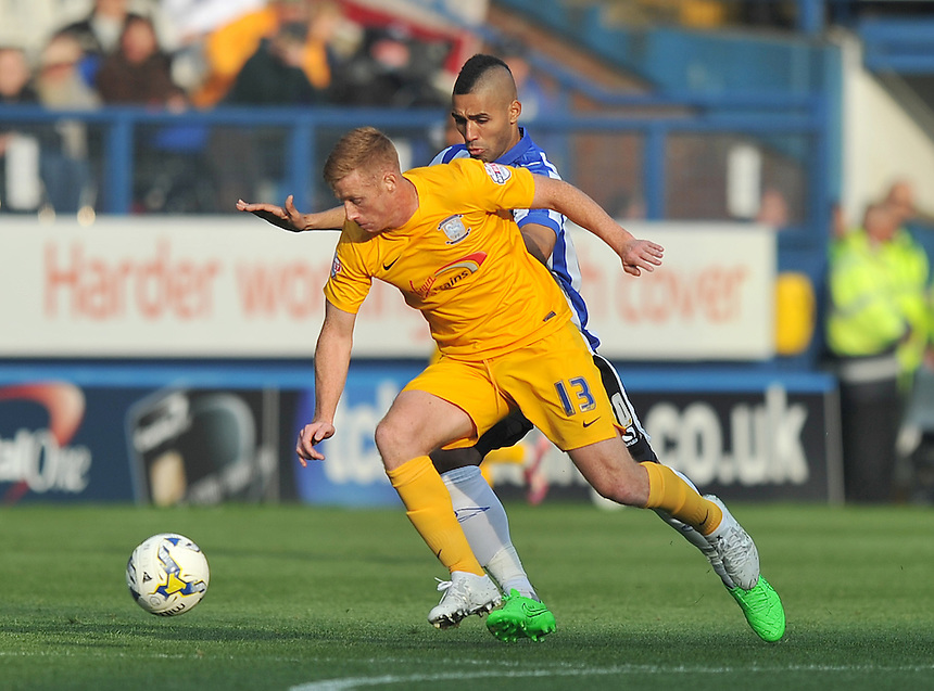 Preston North End's Eoin Doyle holds off Sheffield Wednesday's Lewis McGugan<br /> <br /> Photographer Dave Howarth/CameraSport<br /> <br /> Football - The Football League Sky Bet Championship - Sheffield Wednesday v Preston North End - Saturday 3rd October 2015 - Hillsborough - Sheffield<br /> <br /> &copy; CameraSport - 43 Linden Ave. Countesthorpe. Leicester. England. LE8 5PG - Tel: +44 (0) 116 277 4147 - admin@camerasport.com - www.camerasport.com