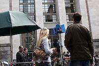 Milano: media davanti il tribunale di Milano durante l'udienza per il processo Mills