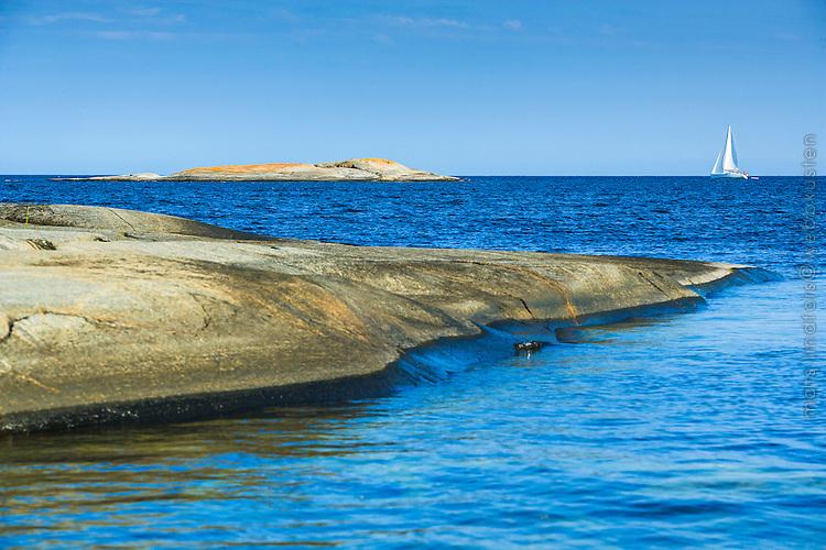 Havet med horisonten utanför Finnskär i Stockholms skärgård/ Stockholm archipelago Sweden