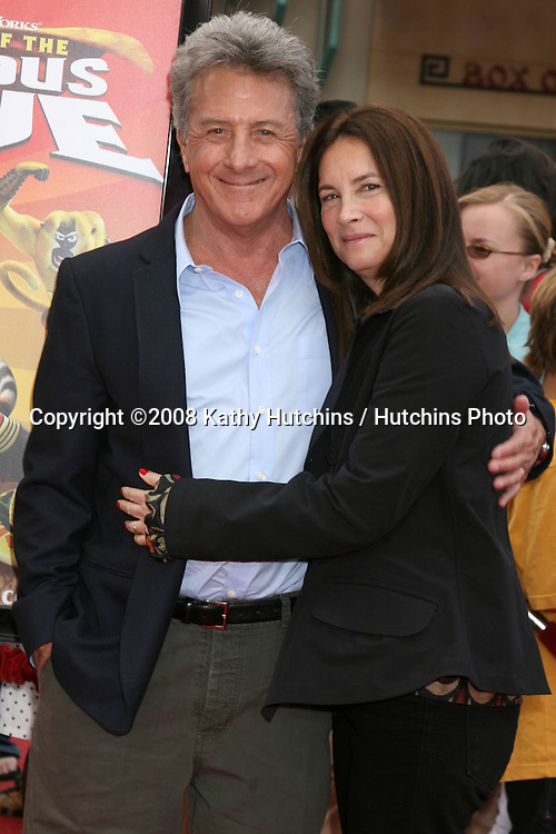 "Dustin & Lisa Hoffman  arriving at the"" Kung Fu Panda""  & ""Secrets of the Furious Five""  DVD Debut at Gauman's Chinese Theater in Los Angeles, CA on .November 9, 2008.©2008 Kathy Hutchins / Hutchins Photo...                . ."