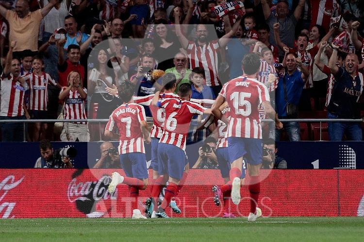 Atletico de Madrid's players celebrate goal during La Liga match between Atletico de Madrid and Getafe CF at Wanda Metropolitano Stadium in Madrid, Spain. August 18, 2019. (ALTERPHOTOS/A. Perez Meca)