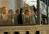 Il leader libico Muammar Gheddafi parla protetto da un vetro blindato in Campidoglio, Roma, 10 giugno 2009. .Libyan leader Muamar Gadhafi is seen through a bullet-proof glass as he speaks at Rome's Capitol hill, 11 june 2009..UPDATE IMAGES PRESS/Riccardo De Luca