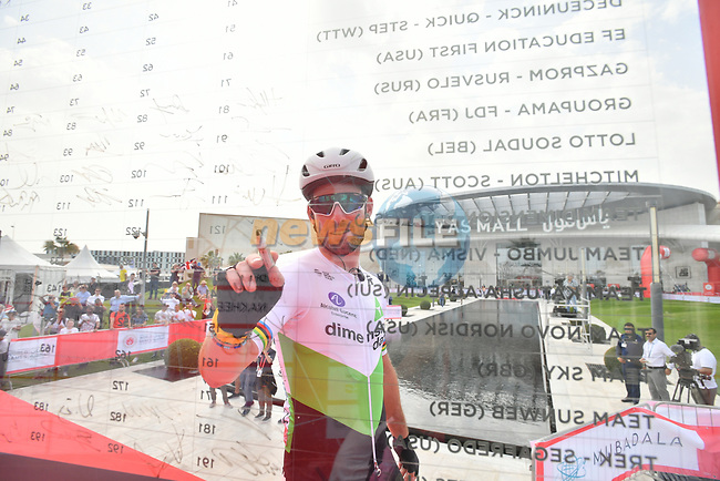 Mark Cavendish (GBR) Team Dimension Data signs on before the start of Stage 2 of the 2019 UAE Tour, running 184km form Yas Island Yas Mall to Abu Dhabi Breakwater Big Flag, Abu Dhabi, United Arab Emirates. 25th February 2019.<br /> Picture: LaPresse/Massimo Paolone | Cyclefile<br /> <br /> <br /> All photos usage must carry mandatory copyright credit (© Cyclefile | LaPresse/Massimo Paolone)
