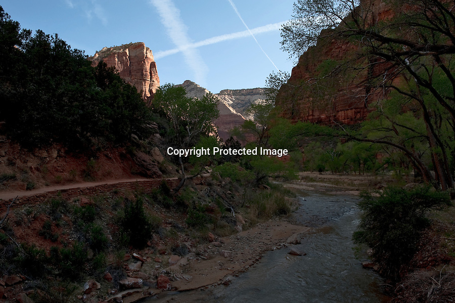 Zion, Utah, Virgin River, Angel's Landing, rock climbing, wild, trail, valley, river, precipice, hiking, panorama, cliffs, Southern Utah, National Parks, Southwest, canyon, Navaho Sandstone, geological history, Kanab, Springdale, US Highway 89, afternoon shadows, wide angle lens, tourism,