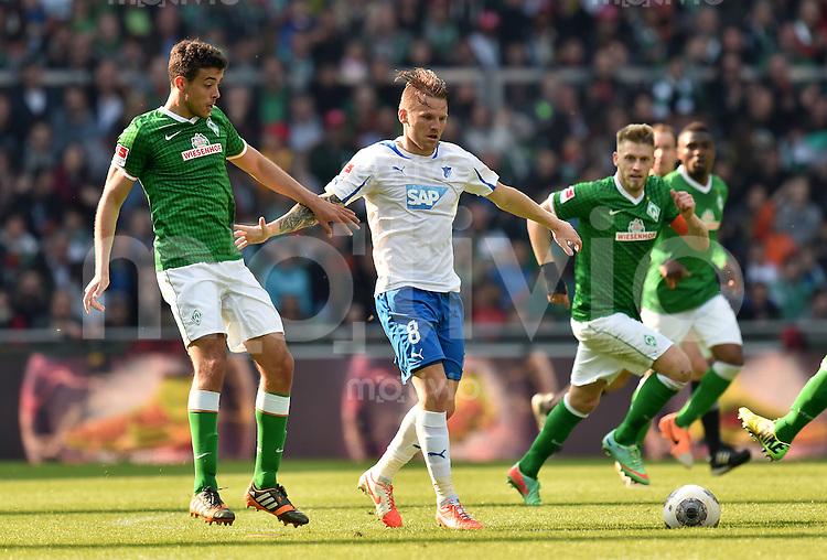 FUSSBALL   1. BUNDESLIGA   SAISON 2013/2014   31. SPIELTAG SV Werder Bremen - 1899 Hoffenhein                   19.04.2014 Franco Di Santo (li, SV Werder Bremen) gegen Eugen Polanski (re, 1899 Hoffenheim)